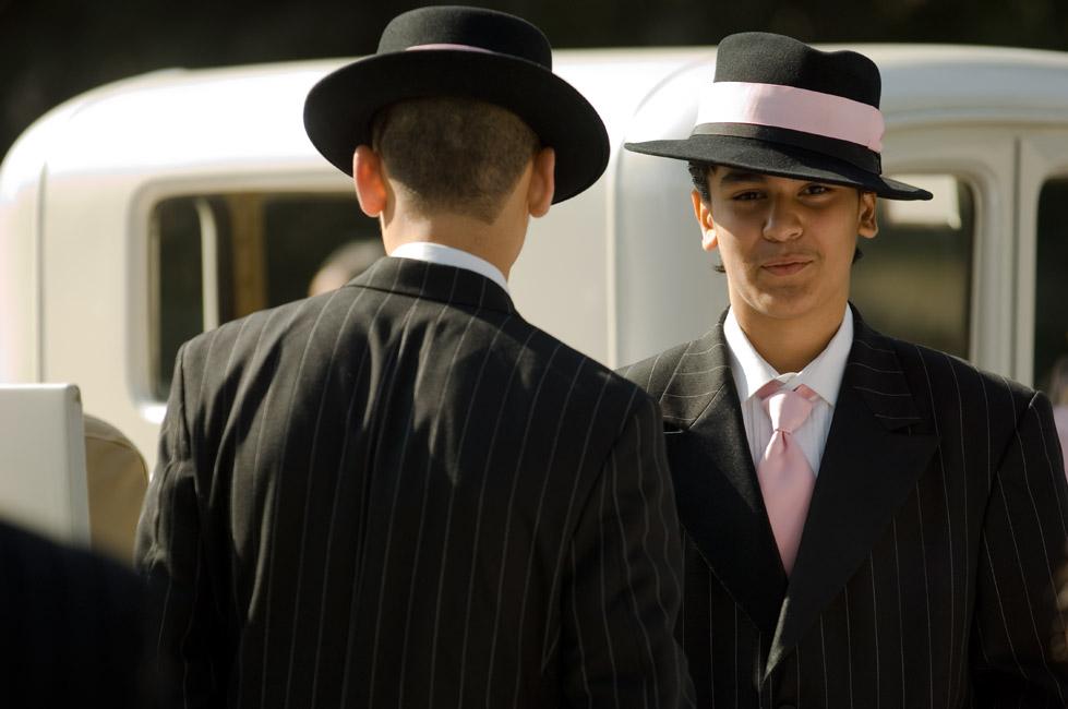 16_2-hats9101