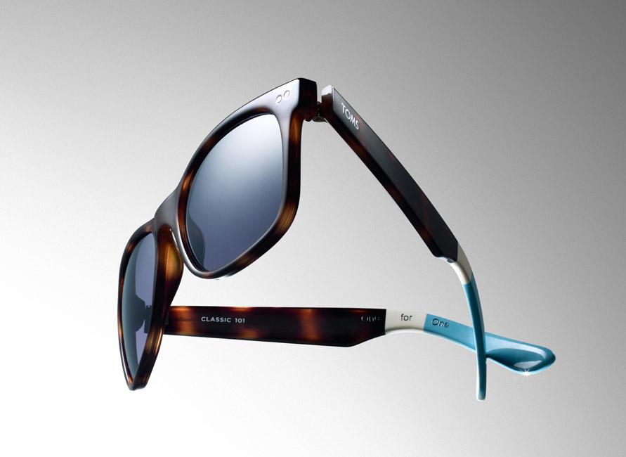 36_Toms-Sunglasses-COMP-Hero-Crop